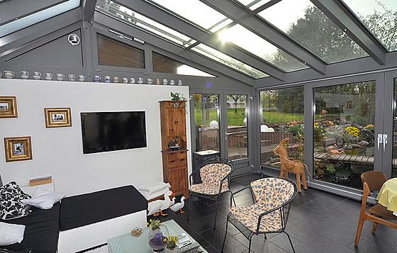 jetzt planen und p nktlich die fr hlingssonne im eigenen wintergarten genie en. Black Bedroom Furniture Sets. Home Design Ideas