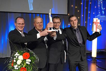 Geschäftsführer Mathias Schäfer, Willi Schäfer und Klaus Cronau, sowie Gesellschafter Stefan Ochse bei der Preisverleihung. Foto: eventDiary