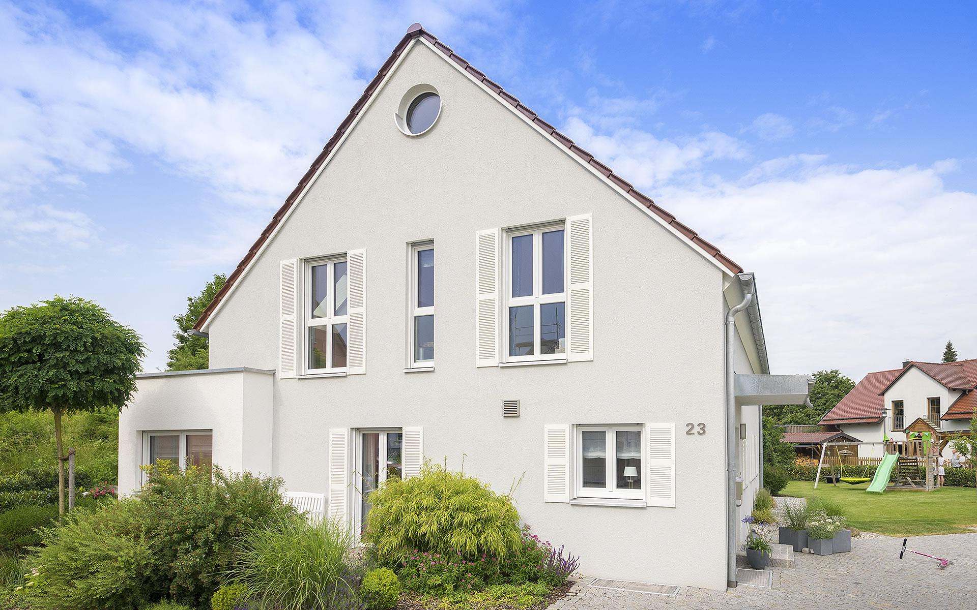 Klassisch 142 von FischerHaus GmbH & Co. KG
