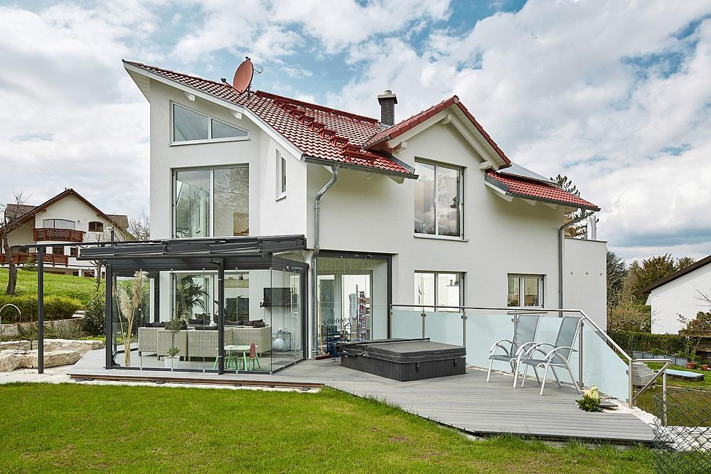 Satteldach Landhaus 144 von LUXHAUS Vertrieb GmbH & Co. KG