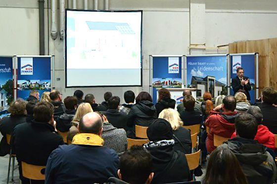 In Bauherrenseminaren konnten die Besucher alles über Energieeffizienz, Förderung oder Planung erfahren. Foto: Bien-Zenker