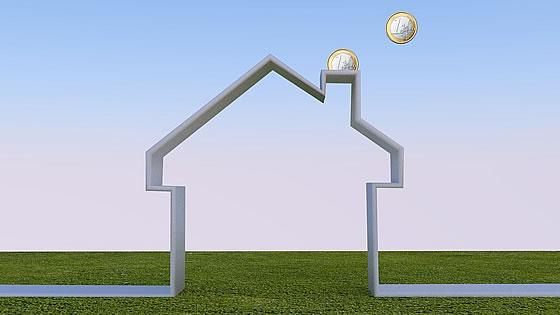 Ein Energieeffizienzhaus verbraucht erheblich weniger Ressourcen, als herkömmliche Immobilien. Foto: pixabay.com / DirtyOpi