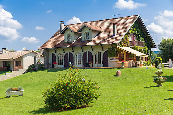 Der perfekte Sonnenschutz für das neue Eigenheim. Foto: Semmick Photo / Shutterstock