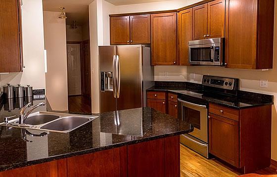 Küchenarbeitsplatte reinigen: die besten Tipps. Foto: JamesDeMers / pixabay.com