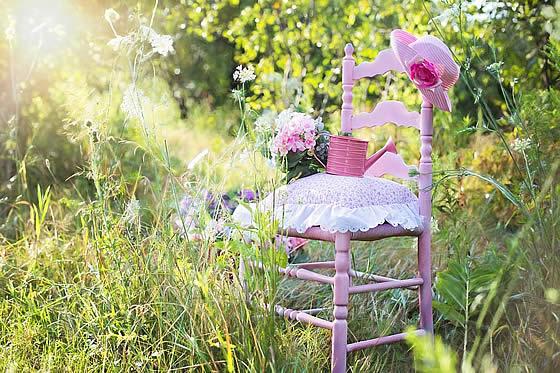 Der Frühling naht – die Gartenarbeit beginnt. Foto: jill111 / pixabay.com