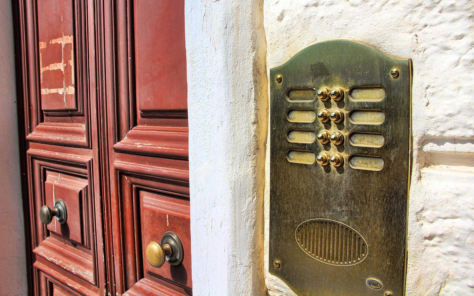 Schöne Schilder für das eigene Haus - Foto: pixabay.com