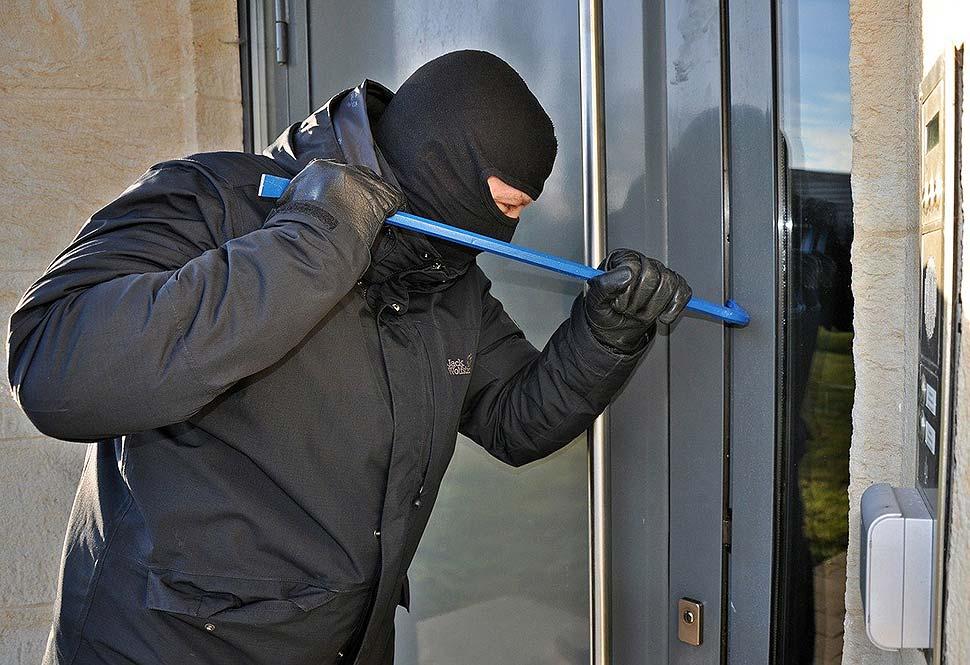 Ratgeber Haussicherheit: Nur Nachrüsten hilft gegen Einbrecher!