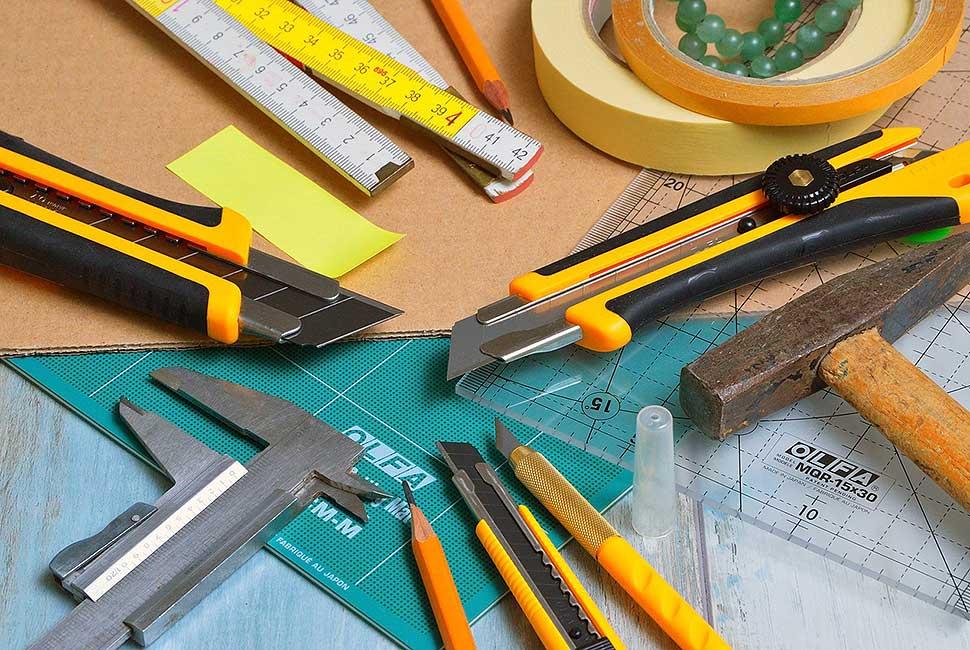 Im Haushalt wie auch im DIY-Bereich sind Klebebänder ein unverzichtbares Utensil. Foto: Gábor Adonyi / pixabay