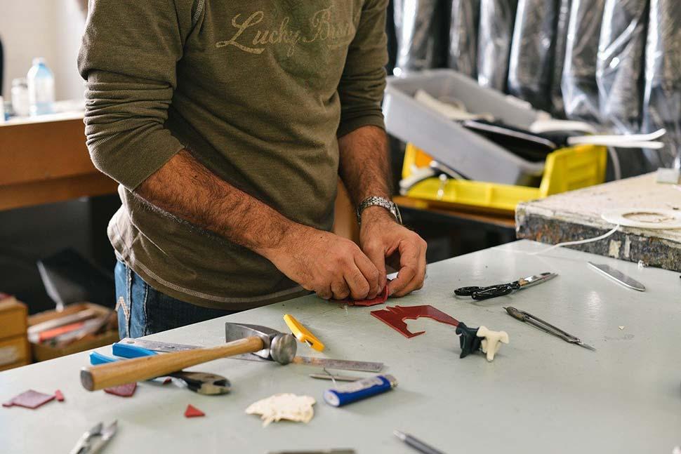 Ob im Hobbyraum oder bei der Reparatur am Haus: Im Eigenheim ist ein eigenes Werkzeugsortiment Gold wert. Foto: Free-Photos / pixabay