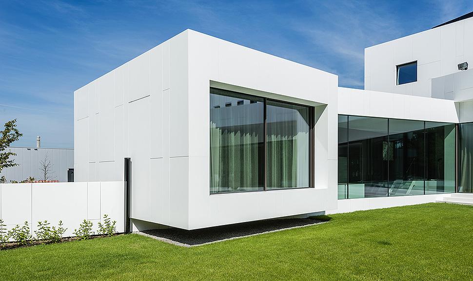 Große Fensterflächen bringen mehr Licht ins Haus. Foto: VFF/ UNIGLAS