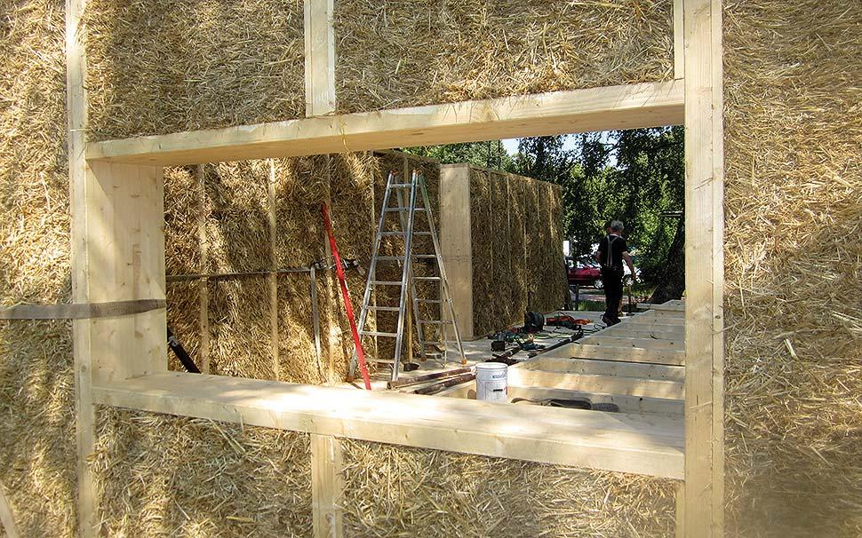 Natürliche Dämmstoffe schaffen ein gesundes Wohnklima. Quelle: 6409 Biber Naturbaustoffhandel /ÖkoPlus AG / BHW Bausparkasse