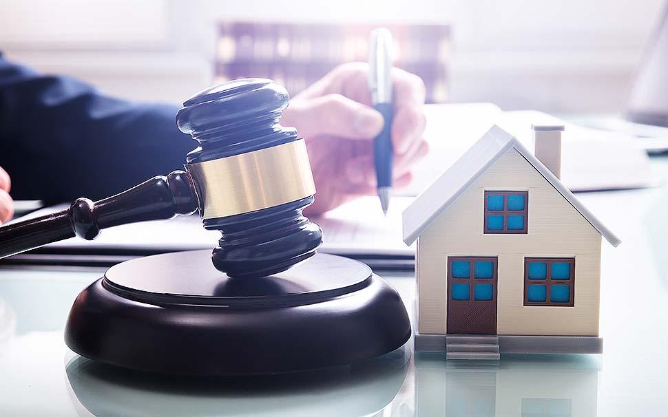Tipps für den Hauskauf durch Auktionen. Foto: iStock.com / AndreyPopov