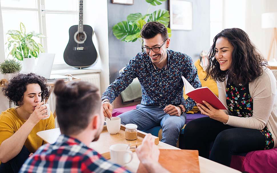 So geht's: Wohneigentum mit netten Leuten vorausschauend planen und kreativ gestalten. Bild Nr. 6418, Quelle: AdobeStock / Halfpoint / BHW Bausparkasse