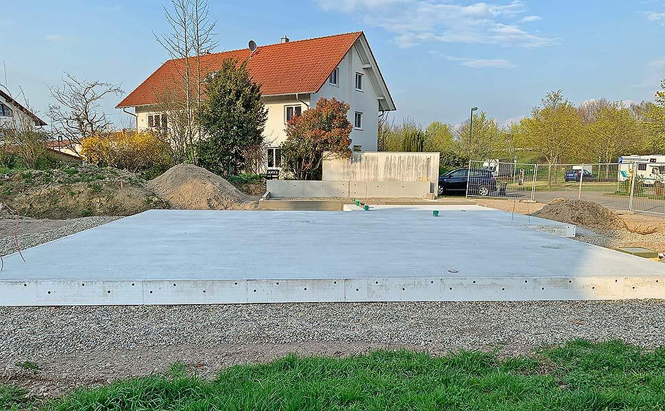 Die Erdgeschoss-Bodenplatte aus Stahlbeton ist die Alternative zum Keller. In beiden Fällen sollten Bauherren auf hohe Qualität achten. Foto: GÜF / Bürkle